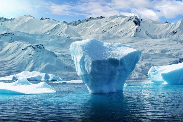 ¿Cuál es la densidad del agua y cómo calcularla?