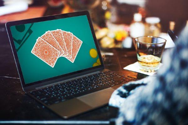 que ofrecen los casinos sin deposito