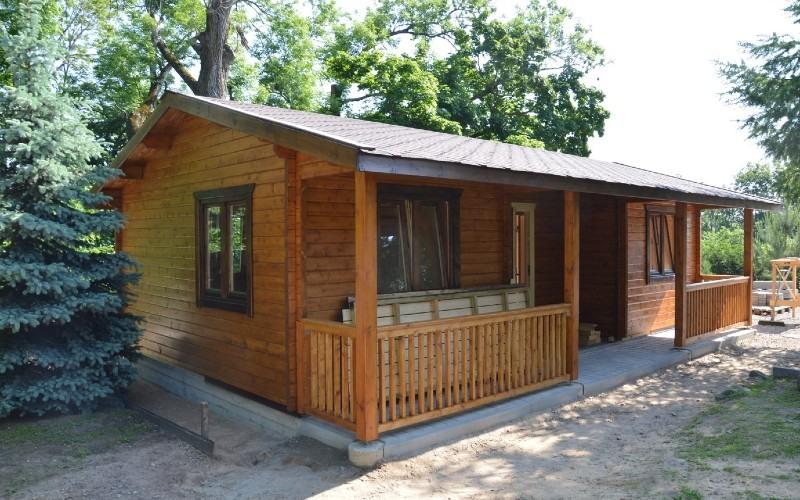Casa prefabricada con vigas pegadas